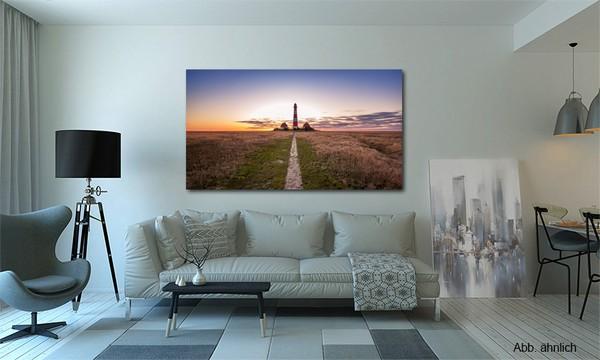 Leuchtturmbild aufgehängt