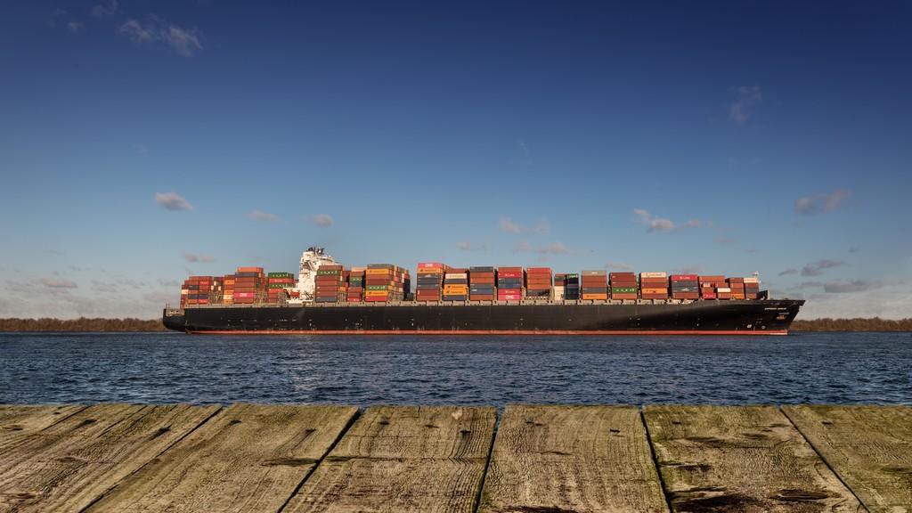 Containerschiff Elbe Hamburg
